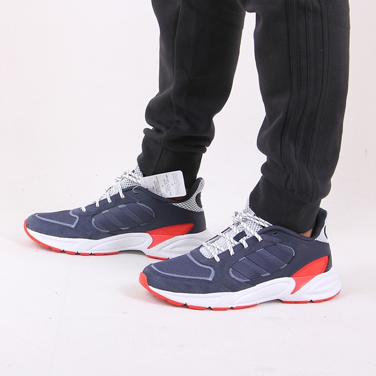 Adidas 阿迪达斯 男鞋 跑步 跑步鞋 90s VALASION EE9897