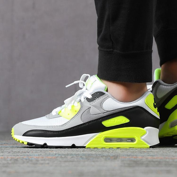 Nike 耐克 男鞋男子低帮 AM 90 CD0881-103